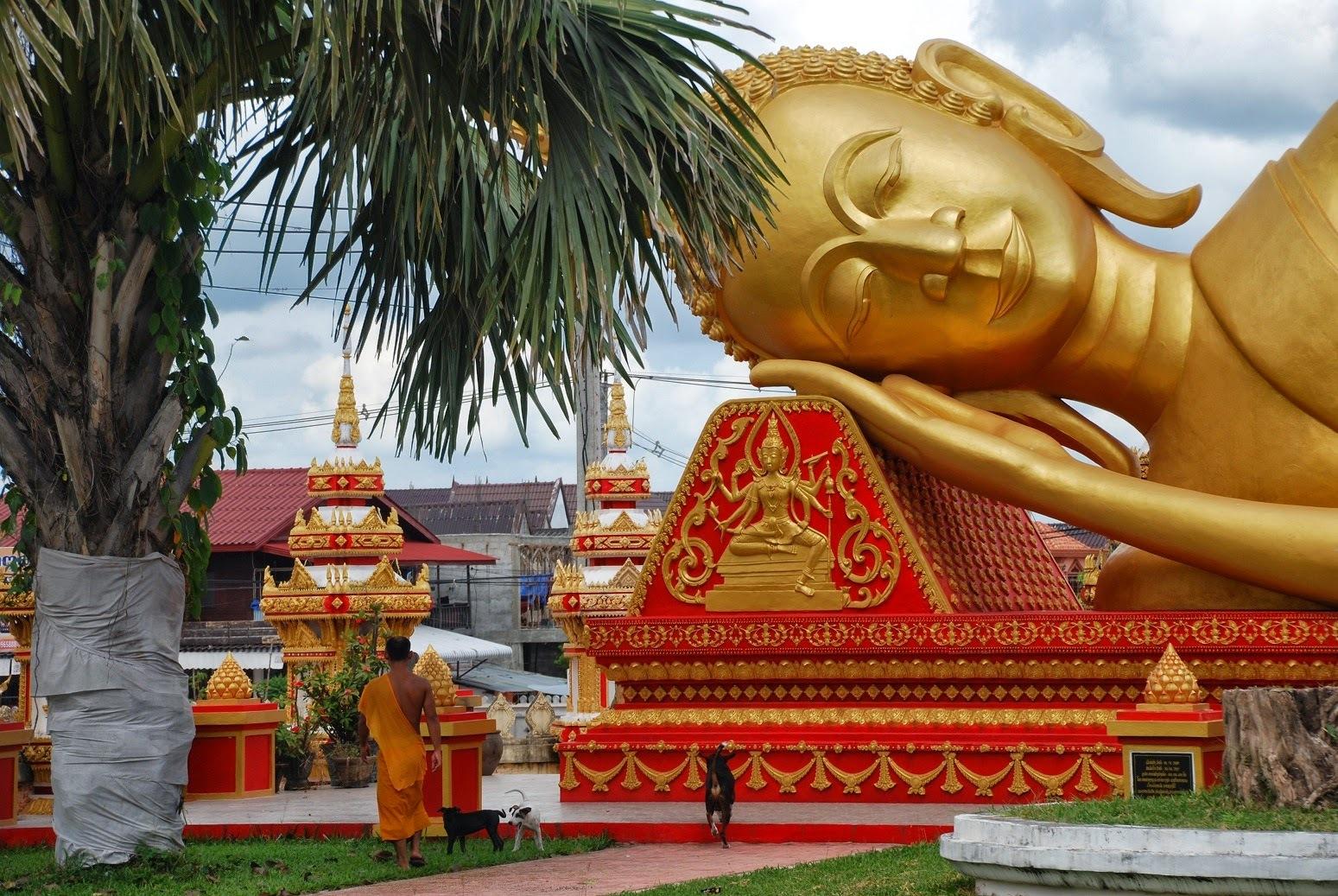 Laos - Vientiane - Wat That Luang