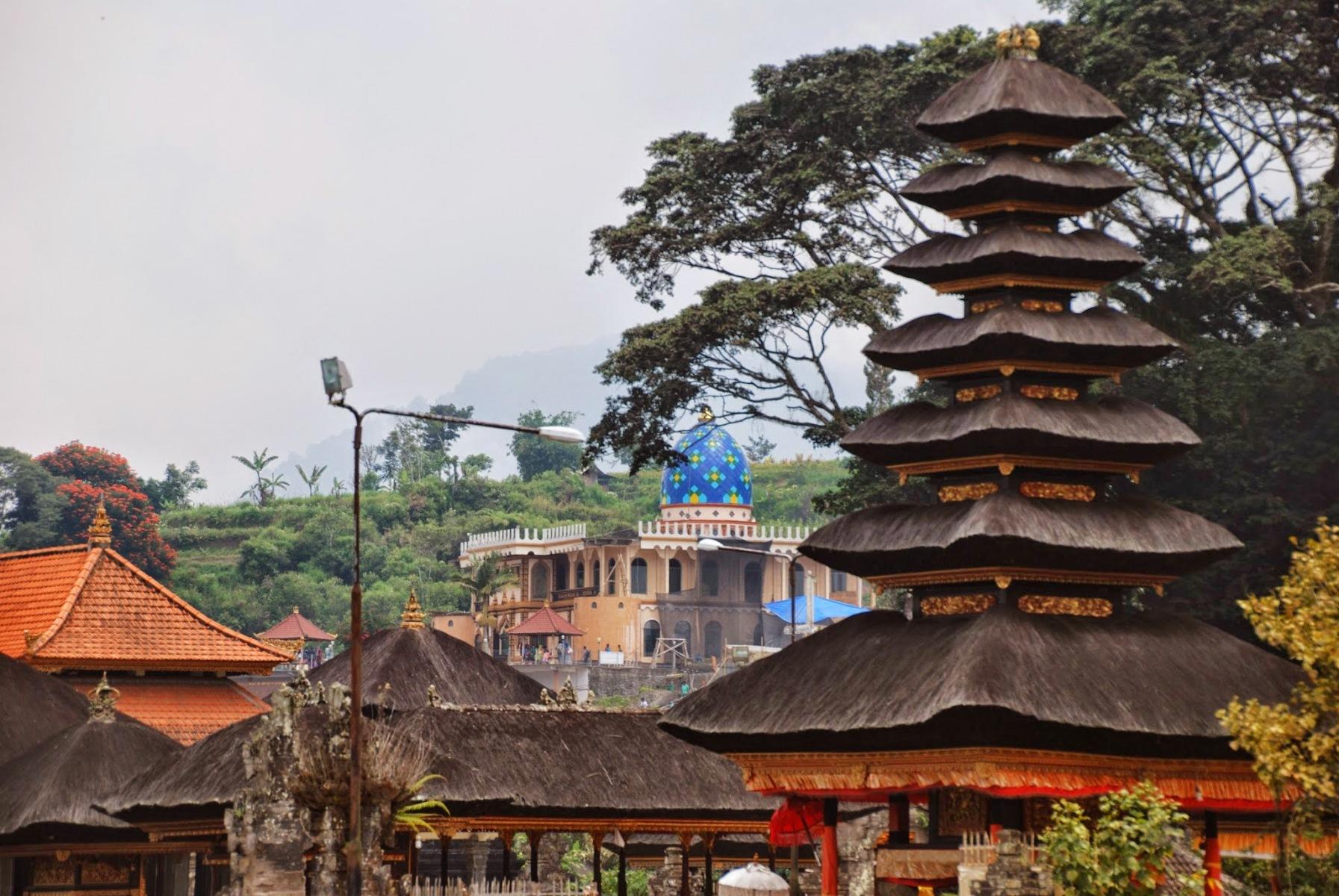 Bali - świątynia Ulun Danu Bratan